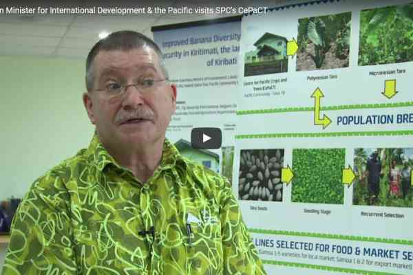 Australian Minister for International Development & the Pacific visits SPC's CePaCT