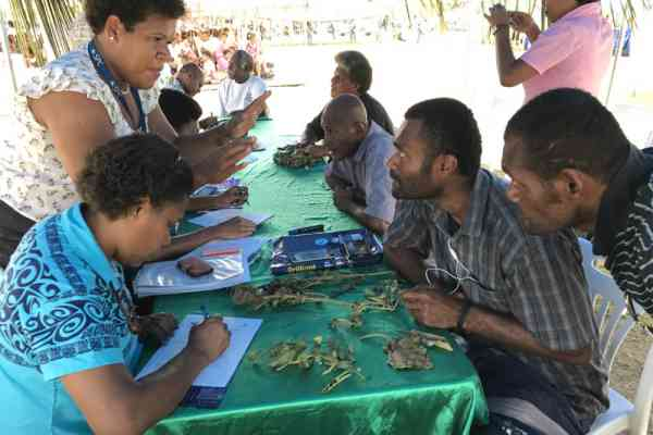 Plant Health Clinic on at Fiji Agricultural Show
