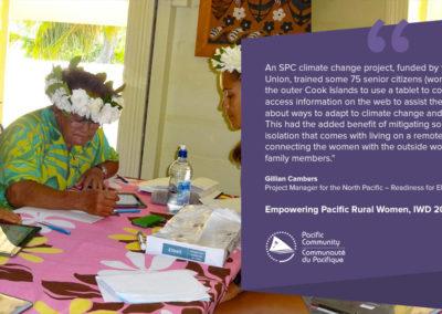 Women communicating in Cook Islands